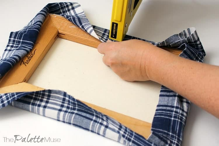 christmas-stencil-stretching-flannel