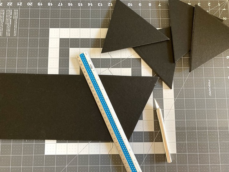 Cutting chalkboard banner pieces