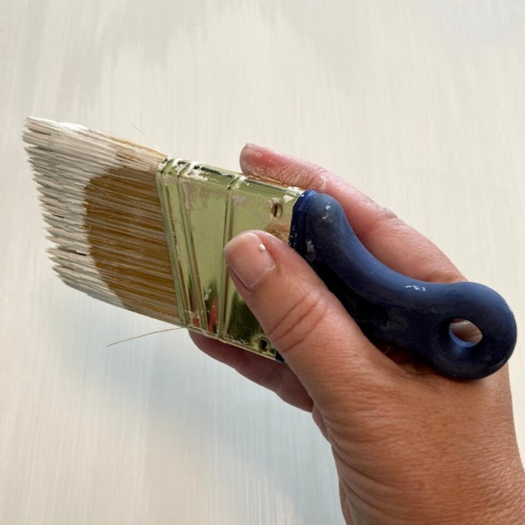 How to Hold a Paintbrush